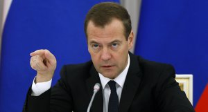 Medvedev, Türkiye'ye charter seferlerinin başlaması için hükümete bir hafta verdi