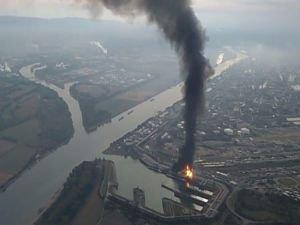 Almanya'da korkutan yangın!