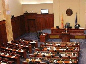Makedonya'da meclisi oy çokluğuyla feshedildi