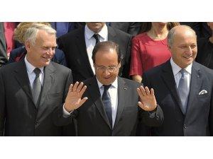 Jean-Marc Ayrault: Tekrar Dışişleri bakanı