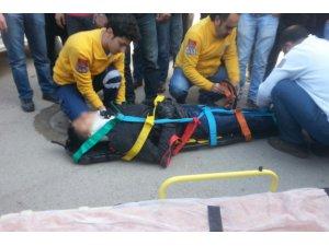 Pikap'ın çarptığı motosiklet sürücüsü ağır yaralı