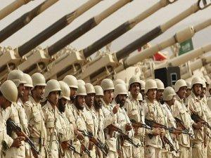 Irak, sınırına binlerce asker gönderdi