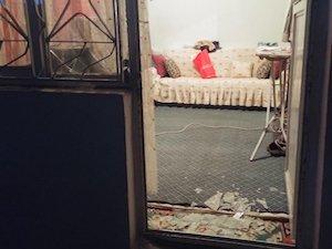 Karakola attıkları bomba bir evin bahçesine düştü