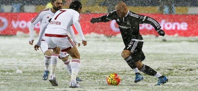 Beşiktaş-Mersin İdmanyurdu ilk 11'ler belli oldu
