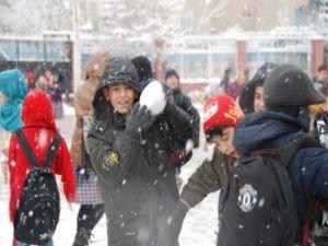 Ağrı, Bitlis ve Bingöl'de eğitime kar engeli