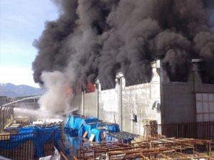 Kahramanmaraş izolasyon fabrikasında yangın