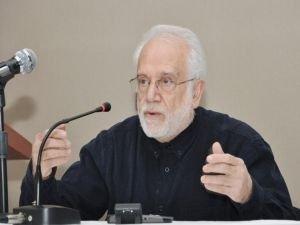 Profesör İhsan Süreyya Sırma hastaneye kaldırıldı