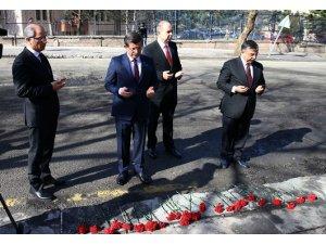 Başbakan Ahmet Davutoğlu patlama yerinde!