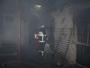 Yangın evi küle çevirdi