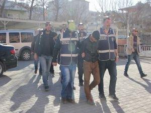 Iğdır'da motosiklet hırsızları yakalandı