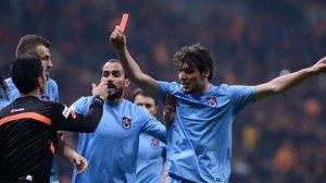 Salih, hakeme verdiği kırmızı kartı açıkladı