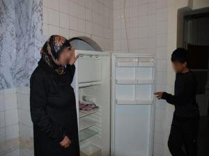 Sur'da evleri yıkılan vatandaşlar zor günler geçiriyor