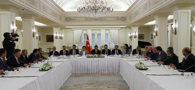 Başbakan Davutoğlu Artvin heyeti ile görüştü
