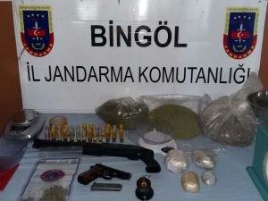 Bingöl'de uyuşturucu satıcılarına jandarma'dan operasyon