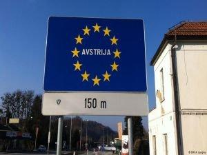 """"""" Mülteci krizinde Avusturya ve AB'ni mercek altına alıyor"""""""