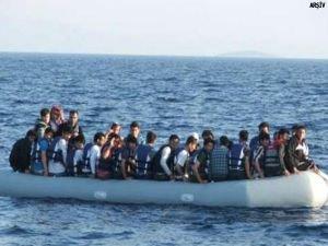 Ege açıklarında mülteci botu battı: 9 ölü