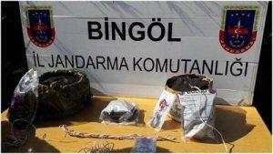 Bingöl'de PKK'nın silah ve malzeme deposu bulundu!