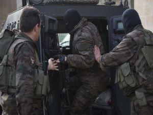 İdil'de ev baskınları 4 gözaltı