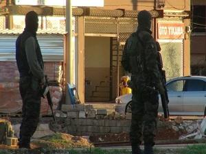 Mardin'de şüpheli araçta bomba çıktı