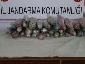 Diyarbakır'da 23 kilo esrar yakalandı