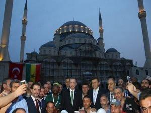 Cumhurbaşkanı Erdoğan Gana Millet Cami ziyareti