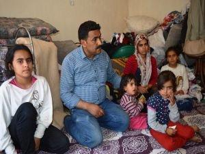 Tek odada yaşayan 10 nüfuslu aile yardım bekliyor
