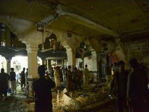 Afganistan'da camiye bombalı vahşet!