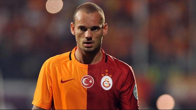Yeni transfer için Sneijder devrede
