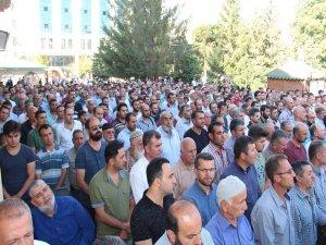 Filistinli şehitler için gıyabi cenaze namazı kılınacak