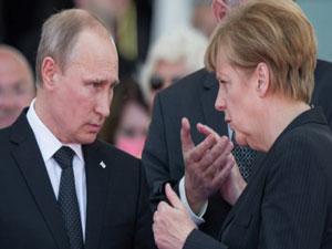 Putin, Merkel'i devirmek istiyor!