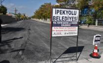 İpekyolu'nda yeni yol ve asfalt çalışmaları sürüyor