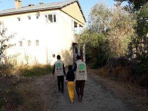Umut Kervanından Tatvan'da ihtiyaç sahibi ailelere yardım