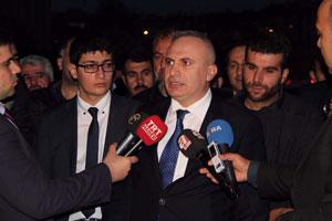 Katil, Babaya Kürtçe 'iyi ki yapmışız' tahriki