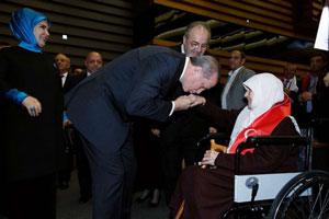 Erdoğan: Kadının hak ettiği yerin ıspatısınız