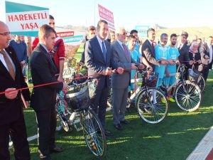 Mardin'de öğrencilere bisiklet dağıtımı
