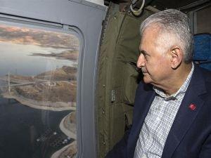 Başbakan Yıldırım helikopterden köprü inceledi