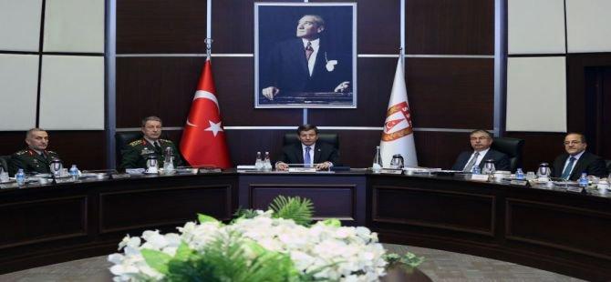 """Başbakan Davutoğlu: """"Savunma sanayiinde yerli üretime ağırlık vereceğiz"""""""