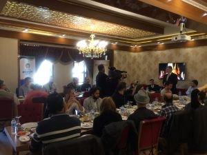 Başkan Ahmet Çakır, sinema yazarlarıyla kahvaltıda bir araya geldi