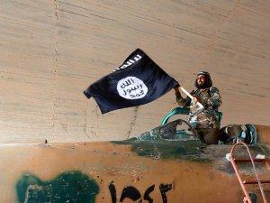 Almanya IŞİD militanlarına ait binlerce belge elegeçirdi