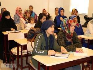 Kadınlar yarım kalan eğitim hayallerini gerçekleştirmek istiyorlar