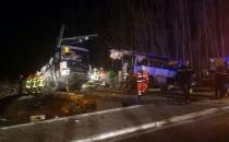 Fransa'da tren ile okul otobüsü çarpıştı: 4 ölü
