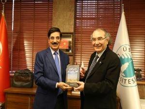Katar Başbakan Yardımcısı Üsküdar Üniversitesini ziyaret etti