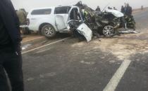 Polis aracı ile TIR çarpıştı: 2 yaralı