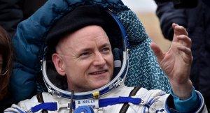 Uzayda en uzun süre geçiren insan emekli oluyor