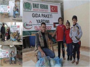 Umut Kervanı Vakfı Gazze'de yardım dağıttı