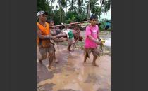 Filipinler'deki selde hayatını kaybedenlerin sayısı 100'e ulaştı