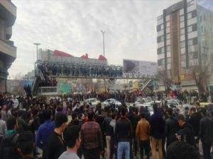 """Tahran Yönetimi: """"ABD destekli gösterilerden uzak durun"""""""