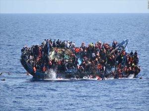 25 mülteci boğularak hayatını kaybetti