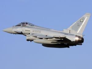 Yemen'de Suudi rejimine ait savaş uçağı düştü