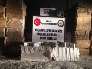 Van'da gümrük kaçağı sigara ve nargile tütünü ele geçirildi